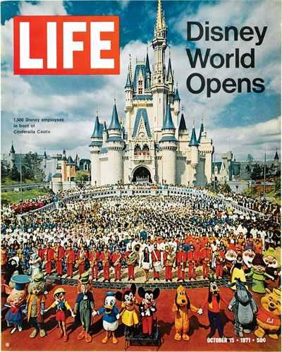La copertina di Life Magazine del 15/10/71 con l'apertura di Disney World