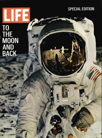 La copertina di Life Magazine dell'11/8/69 con Neil Armstrong sulla Luna
