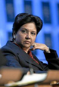 Indra Nooyi, CEO di Pepsi (foto di Andy Mettler / World Economic Forum)
