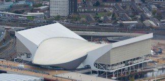 Il London Aquatics Center progettato da Zaha Hadid