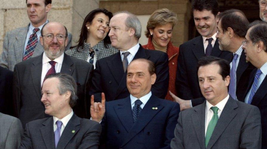 Cinque indimenticabili e famose gaffe dei politici for Lista politici italiani