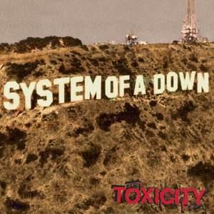 La copertina di Toxicity dei System of a Down