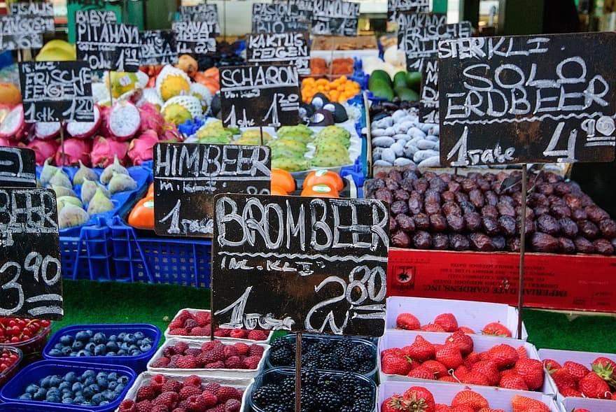 Immagini del Naschmarkt di Vienna
