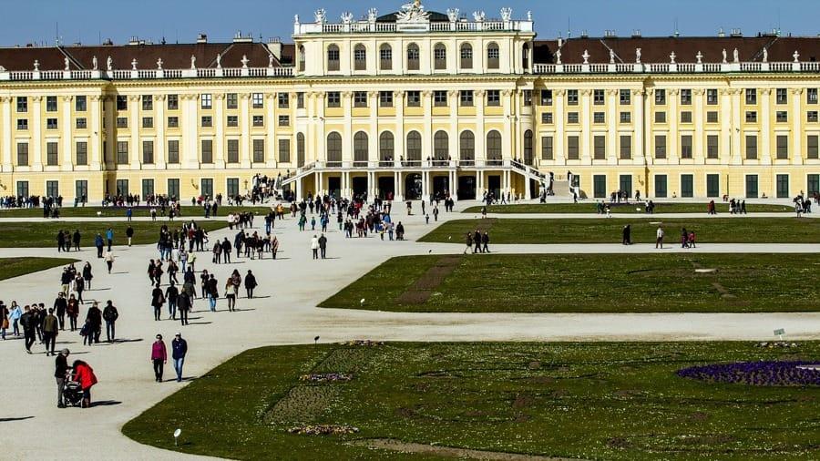 L'esterno del Palazzo di Schönbrunn a Vienna