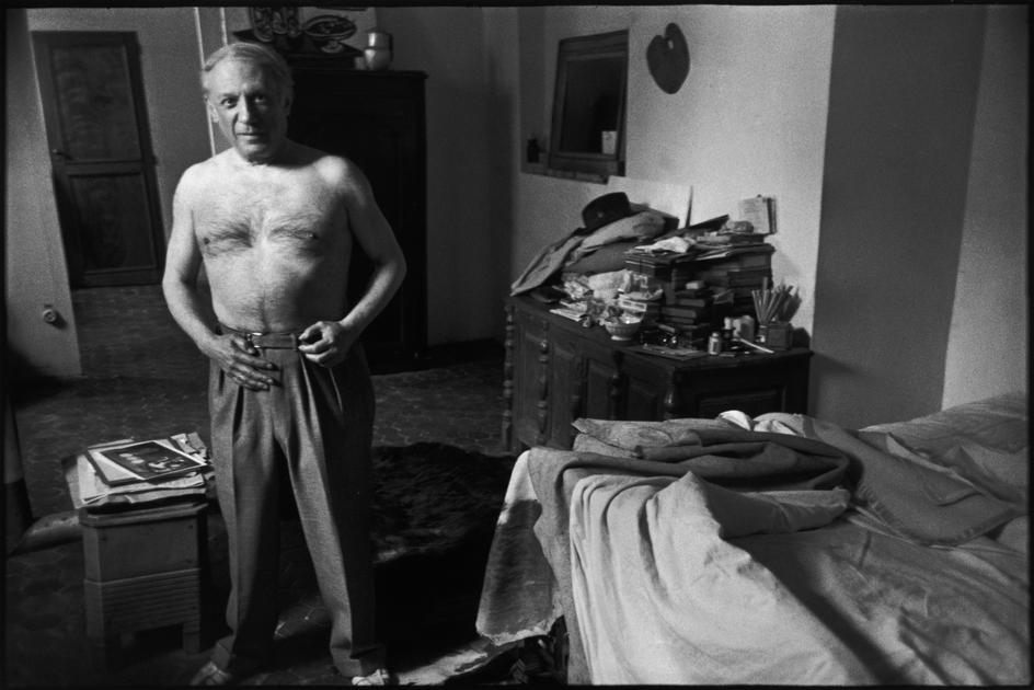Pablo Picasso nel suo studio