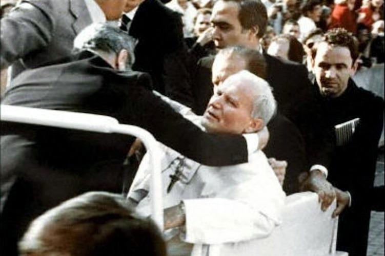 L'attentato subito da Giovanni Paolo II nel 1981