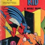 Batman col costume colorato di rosso