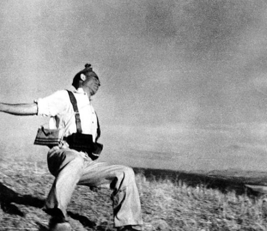 Morte d'un miliziano, forse la più celebre delle foto di Robert Capa