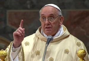 Papa Bergoglio durante un'omelia