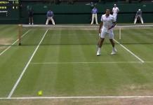Un pallonetto di Roger Federer ai danni di Jo-Wilfried Tsonga