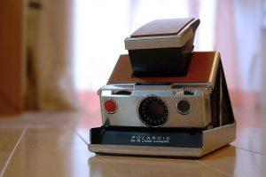 La Polaroid SX-70 (foto di Fabian Reus via Flickr)
