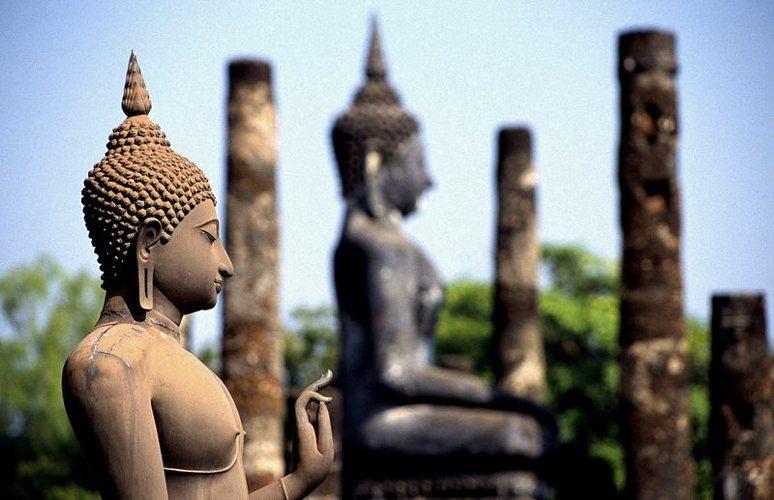 Statue del Buddha (foto di Oliver Spalt via Wikimedia Commons)