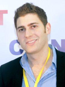 Eduardo Saverin, primo finanziatore di Facebook (foto di Gravesv38 via Wikimedia Commons)