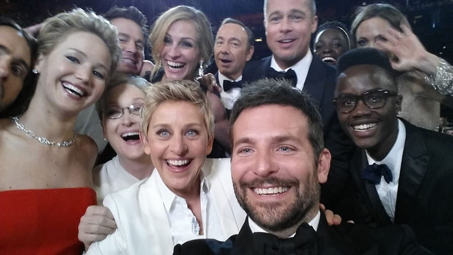 Il selfie delle star agli Oscar 2014