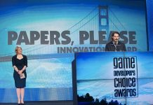 Lucas Pope durante le premiazioni per i Game Developers Awards del 2014