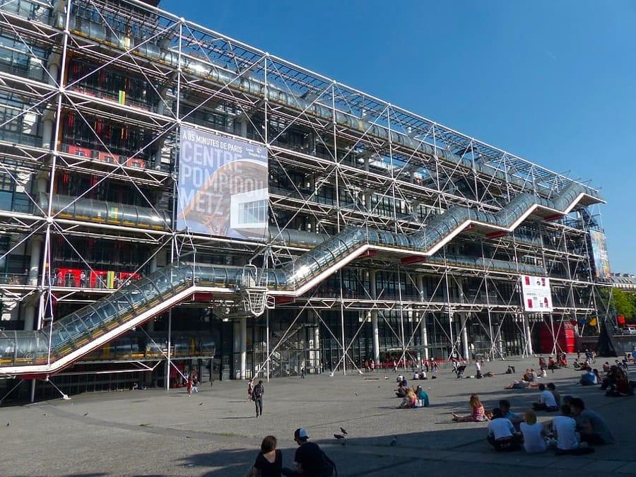 Il centro Pompidou a Parigi, progettato da Renzo Piano
