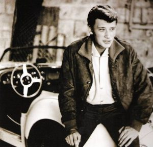 Un giovanissimo Johnny Hallyday