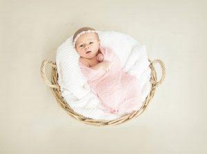 Un bimbo neonato