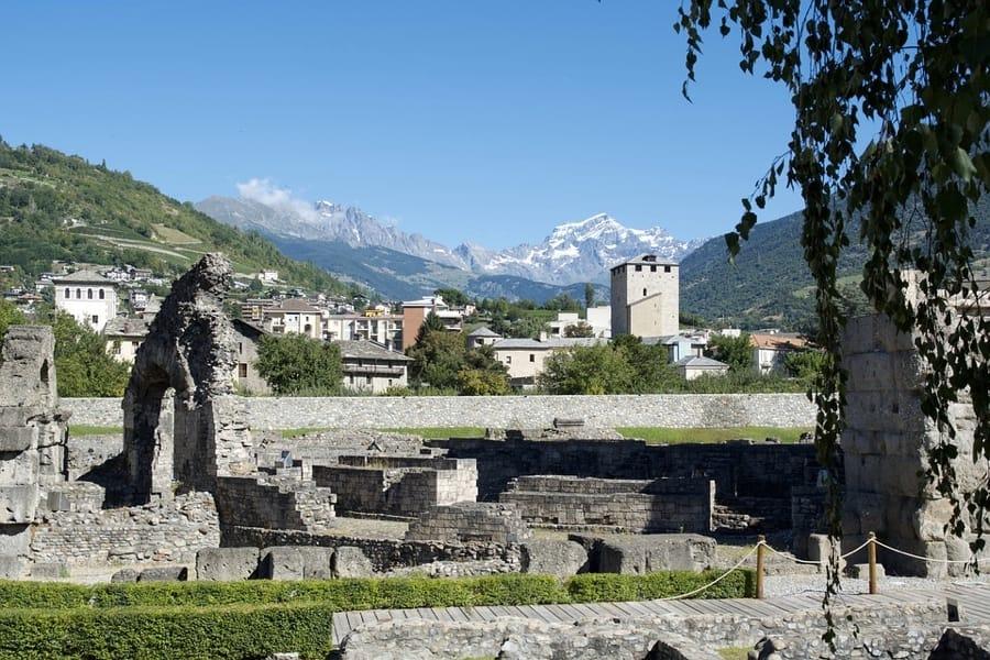 Aosta tra le Alpi e le sue rovine
