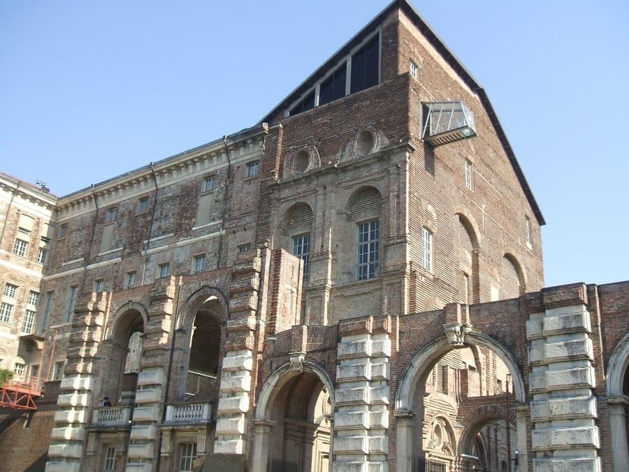 Il Castello di Rivoli (foto di Georgius LXXXIX via Wikimedia Commons)