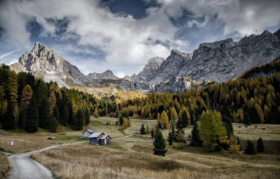 Un tipico paesaggio della Val di Fassa