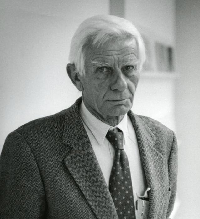 Enrico Castellani, uno degli artisti e pittori italiani contemporanei più importanti (dall'Archivio Enrico Castellani)