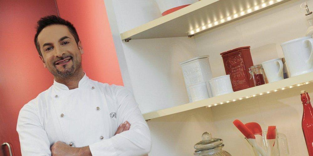Renato Ardovino, presentatore di Torte in corso, uno dei migliori programmi TV di cucina