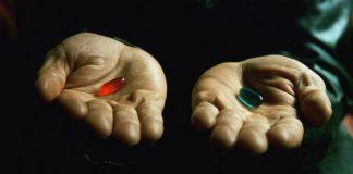 Le due pillole in Matrix, simbolo dei dualismi tutti filosofici tra realtà e illusione