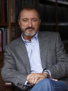 Arturo Pérez-Reverte, ex giornalista ora scrittore