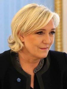 Marine Le Pen durante un incontro con Vladimir Putin (foto ufficiale del Cremlino)