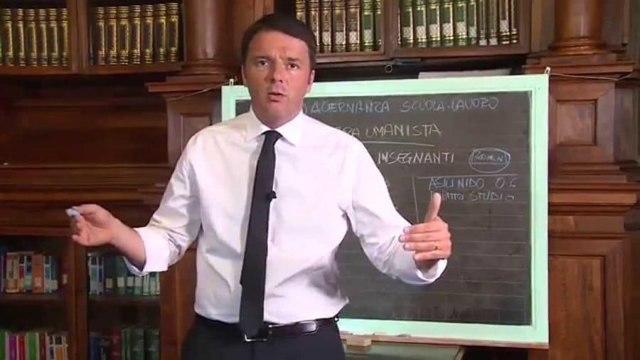 Matteo Renzi intento a spiegare la sua Buona Scuola