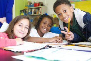 Sono sempre di più gli alunni stranieri nelle scuole italiane (foto dell'US Department of Education via Flickr)