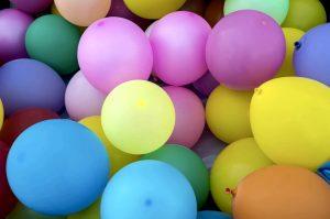 Coi palloncini si possono creare molti giochi