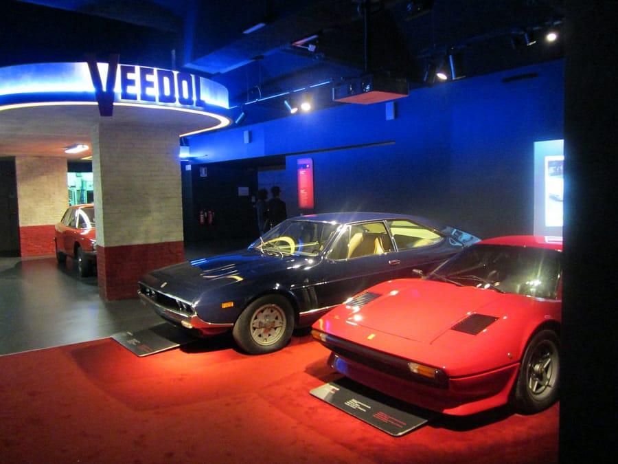 Una sala del Museo dell'Automobile di Torino (foto di Pava via Wikimedia Commons)