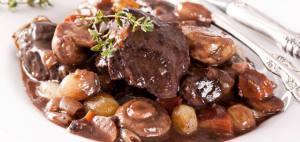 Il Boeuf Bourguignon, uno dei più famosi piatti tipici francesi