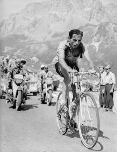 Fausto Coppi, uno dei più mitici vincitori del Giro d'Italia