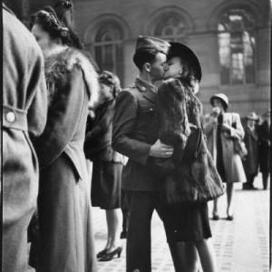 Un altro bacio di Alfred Eisenstaedt