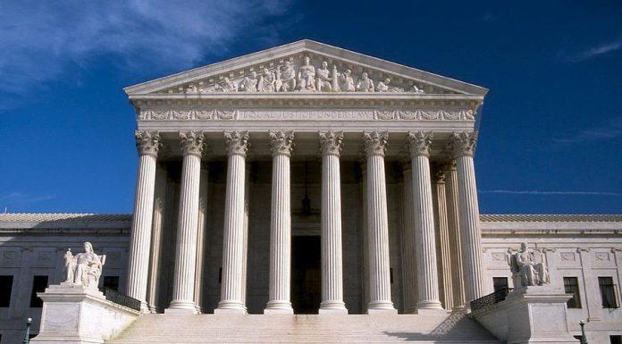 La Corte Suprema degli Stati Uniti e le migliori frasi sugli avvocati