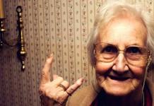 Cinque famose e divertenti battute sulla vecchiaia