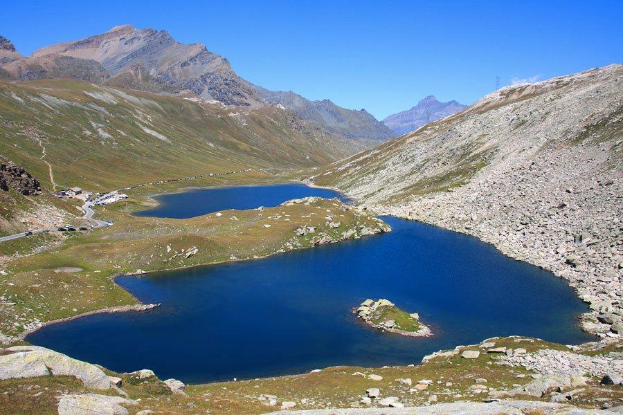 I laghi del Nivolet (foto di Alessandro Vecchi via Wikimedia Commons)