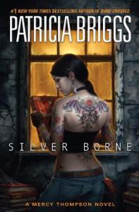 Copertina di un'edizione originale di Silver Borne, romanzo di Patricia Briggs