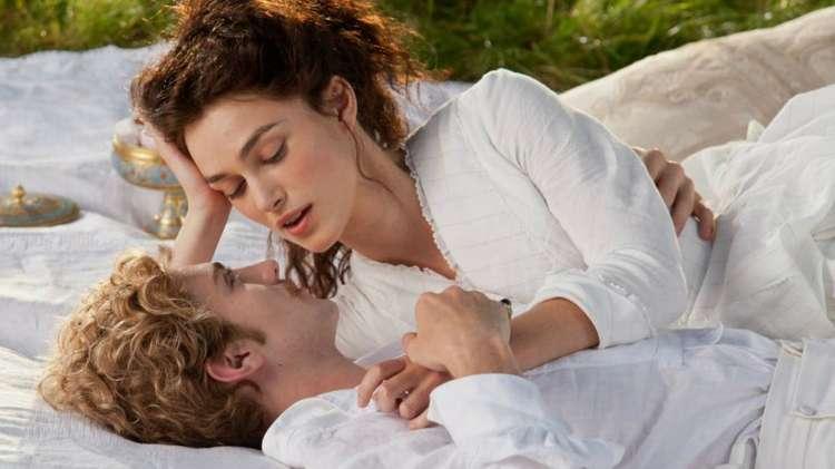 Anna e Vronskij nel recente adattamento cinematografico interpretato da Keira Knightley, Aaron Taylor-Johnson e Jude Law