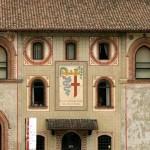 La facciata interna del Castello (foto di Quinok via Wikimedia Commons)