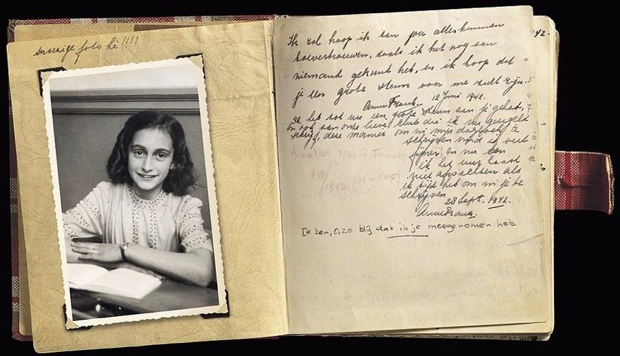 Il diario di Anna Frank aperto alla pagina del 28 settembre 1942