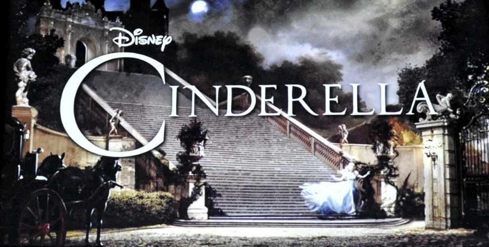 Una delle prime immagini del nuovo film di Cenerentola