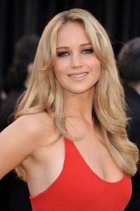 Jennifer Lawrence, bionda naturale nonostante si tinga di frequente