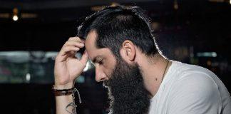 Una barba molto folta, da vero boscaiolo