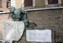 Il monumento all'uomo e alle poesie di Trilussa a Roma