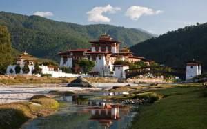 Uno Dzong (il tipico monastero locale) in Bhutan