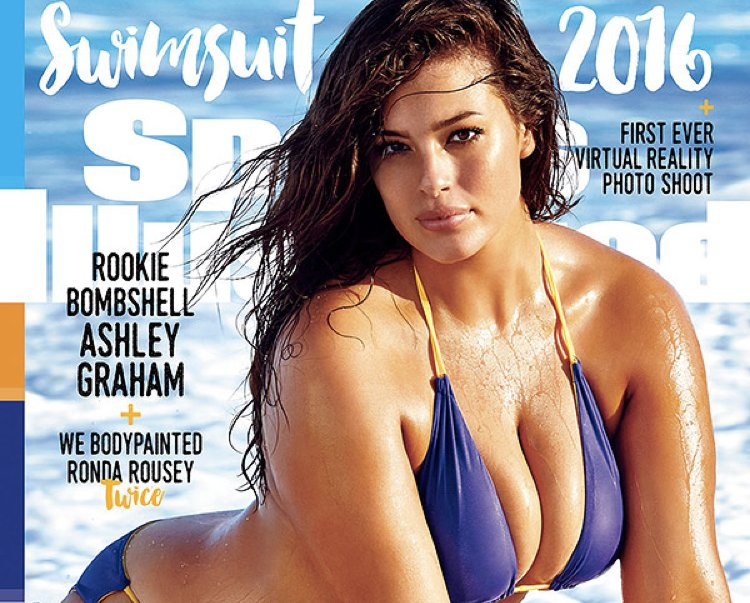 Ashley Graham, forse la più famosa delle modelle taglie forti, sulla copertina di Sports Illustrated nel numero speciale sui costumi da bagno del 2016